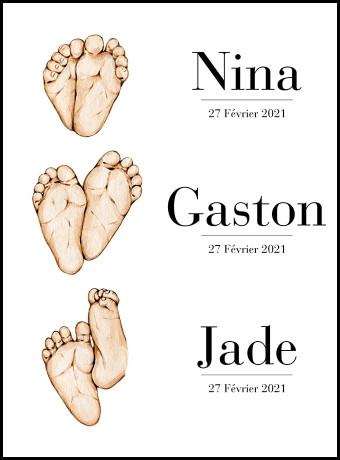 Affiche représentant la naissance de 3 enfants. Personnalisez-la  avec le prénom des enfants ainsi que leur date de naissance pour un super souvenir.