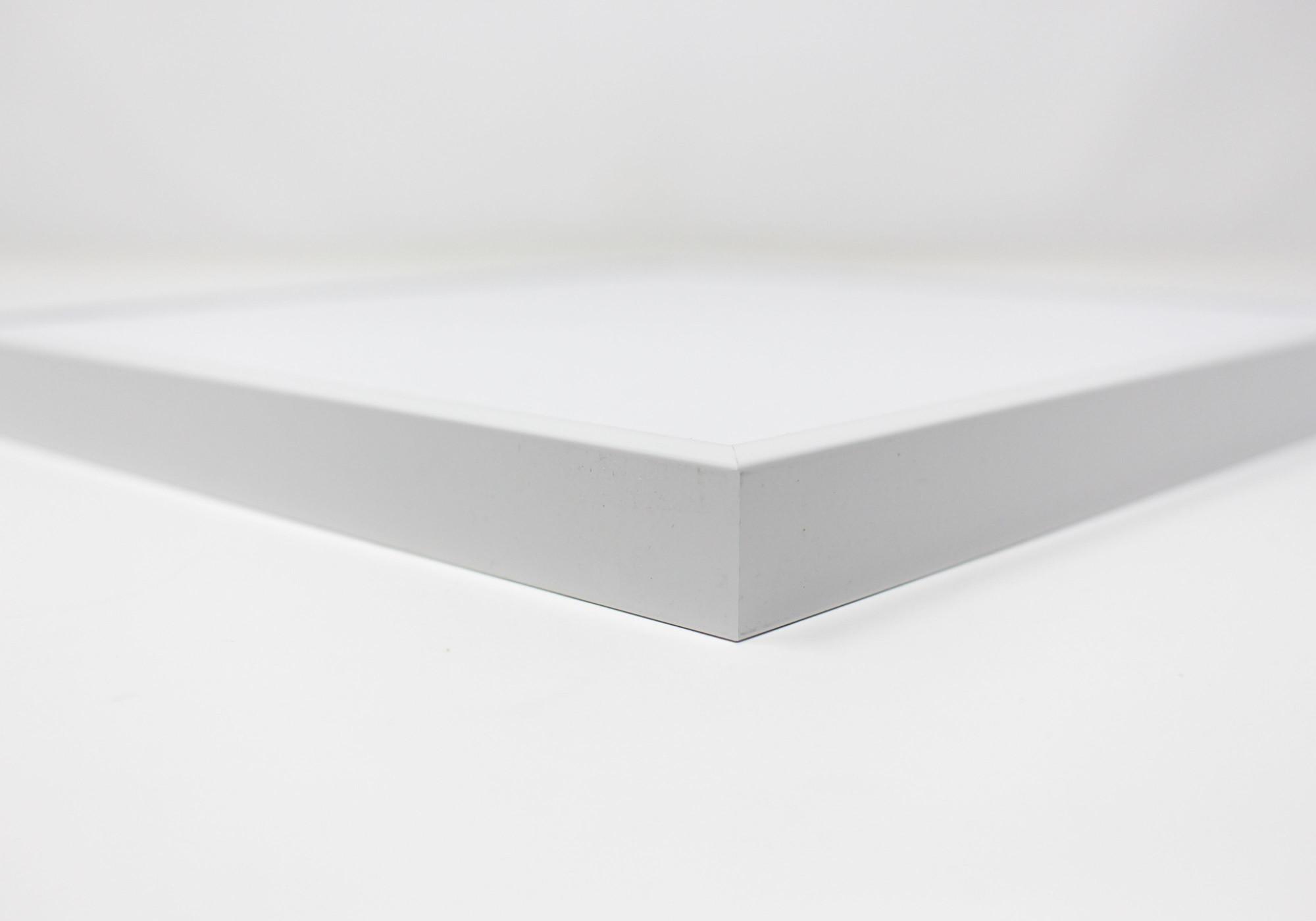 Détails cadre carré blanc au format 20x20cm