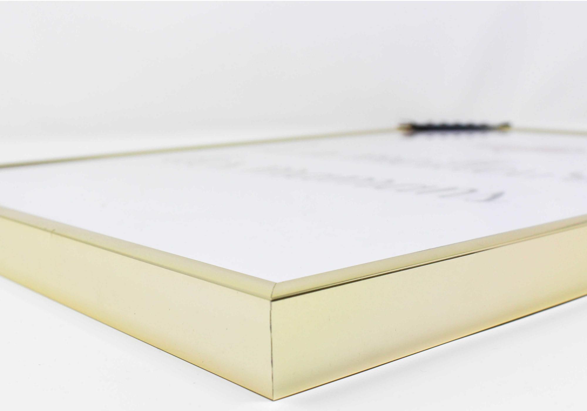 Cadre doré 21x29,7 cm